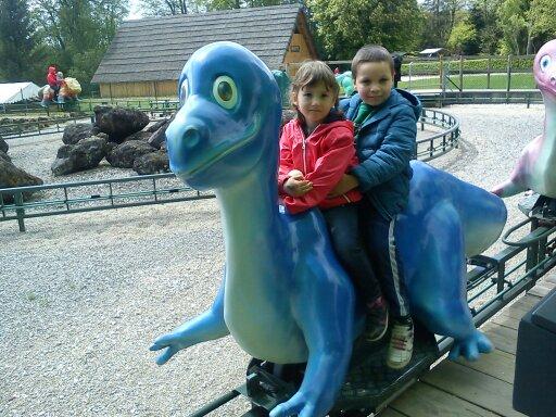 Manège au Dino Zoo (mai 2016)